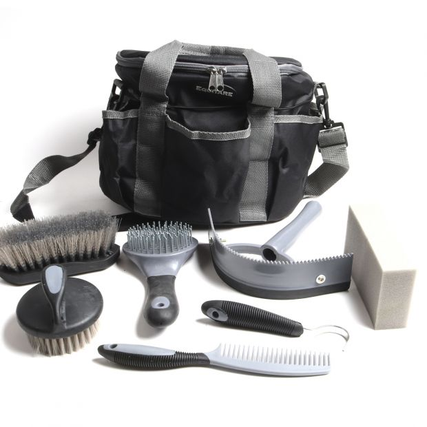 Equitare Grooming kit with bag and brushes 8 parts