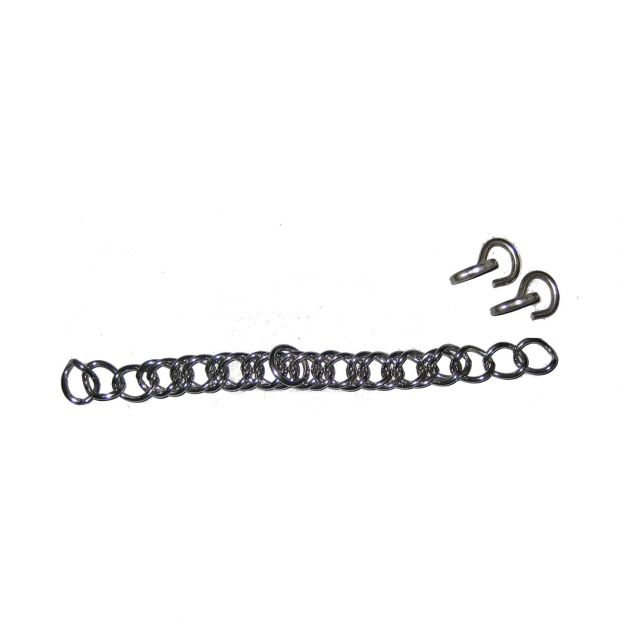 Curb chain with hooks